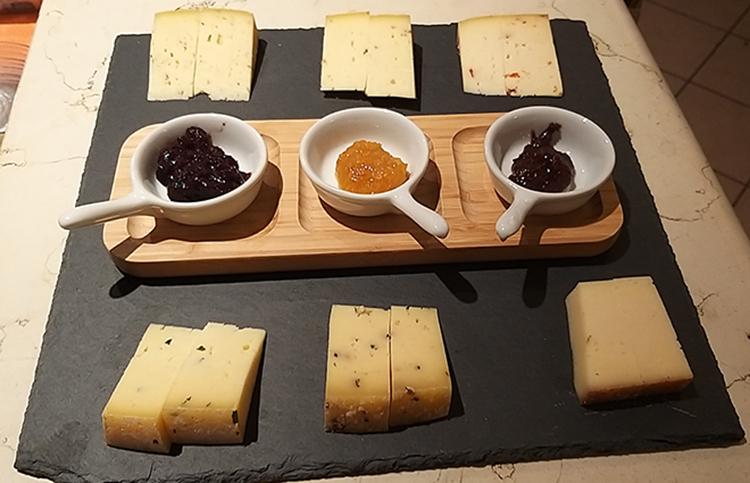 Selezione formaggi di malga 2.jpg